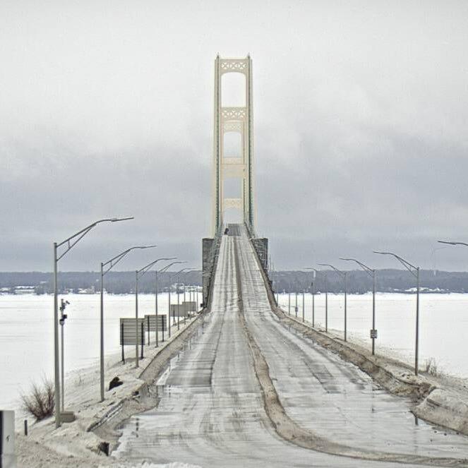 Mackinac Bridge tower to be repainted, closures expected