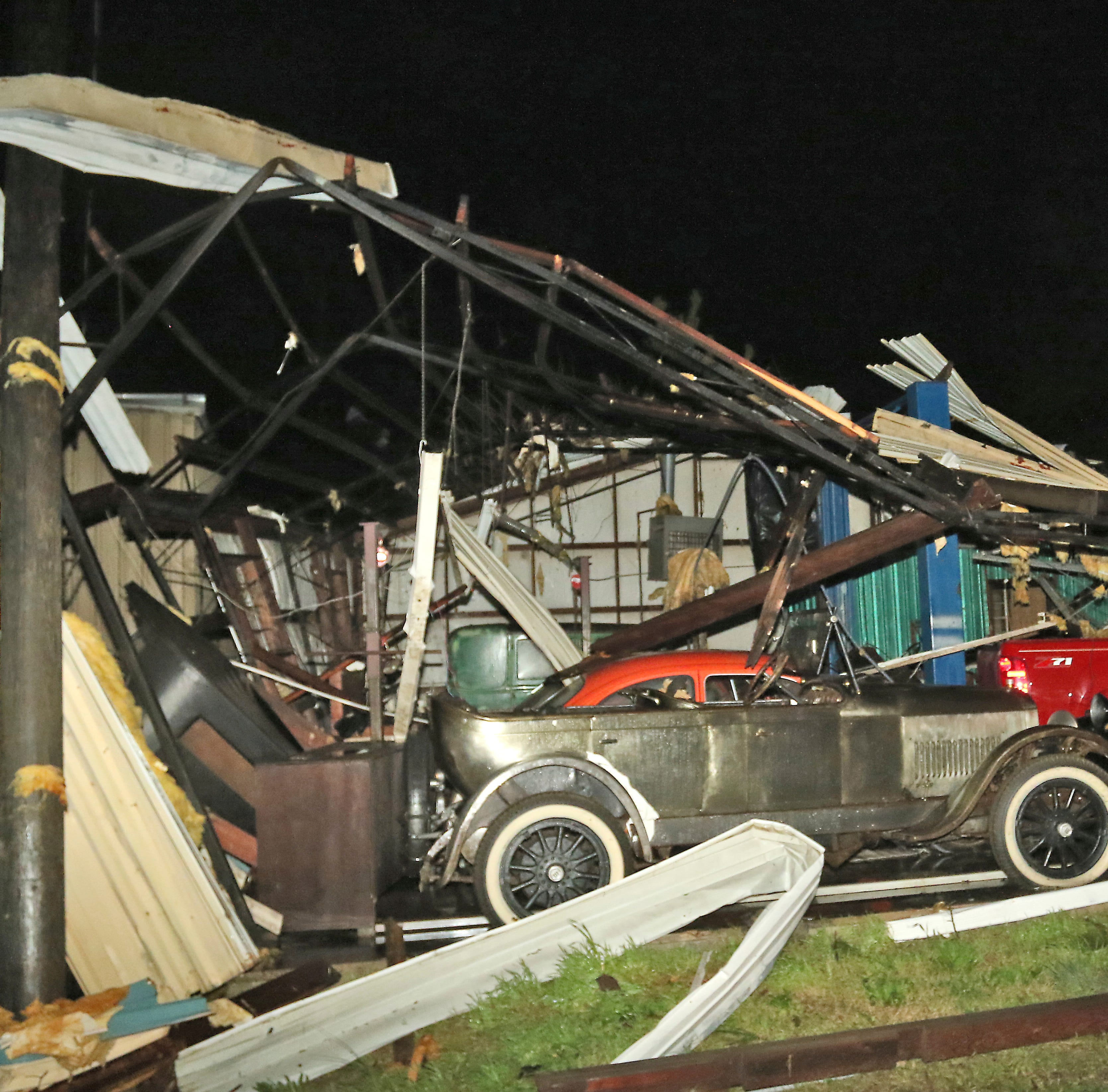 Deadly storms damage hundreds of homes, businesses, bridges and roads in Mississippi