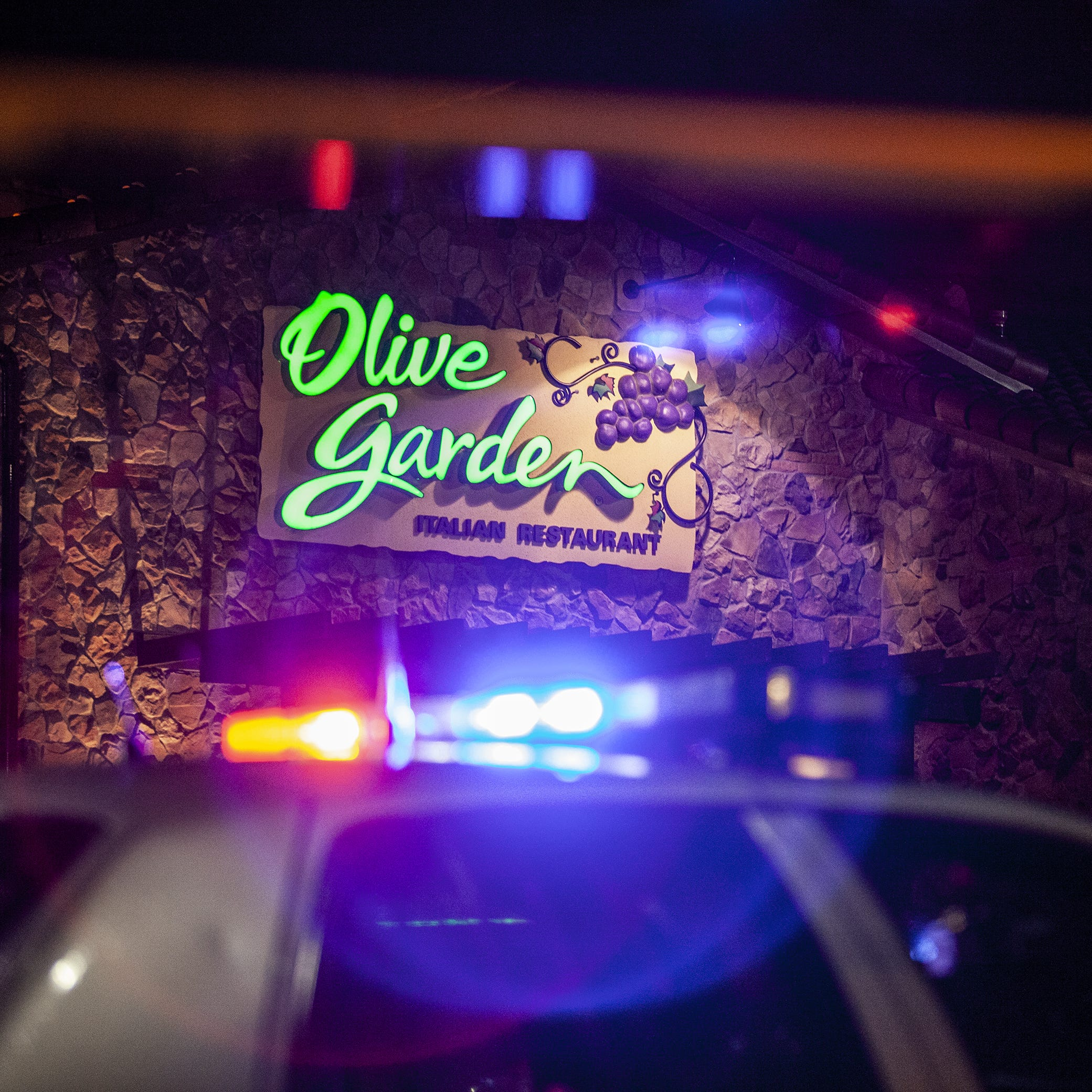 Police: One dead after shooting inside Olive Garden at Jefferson Mall