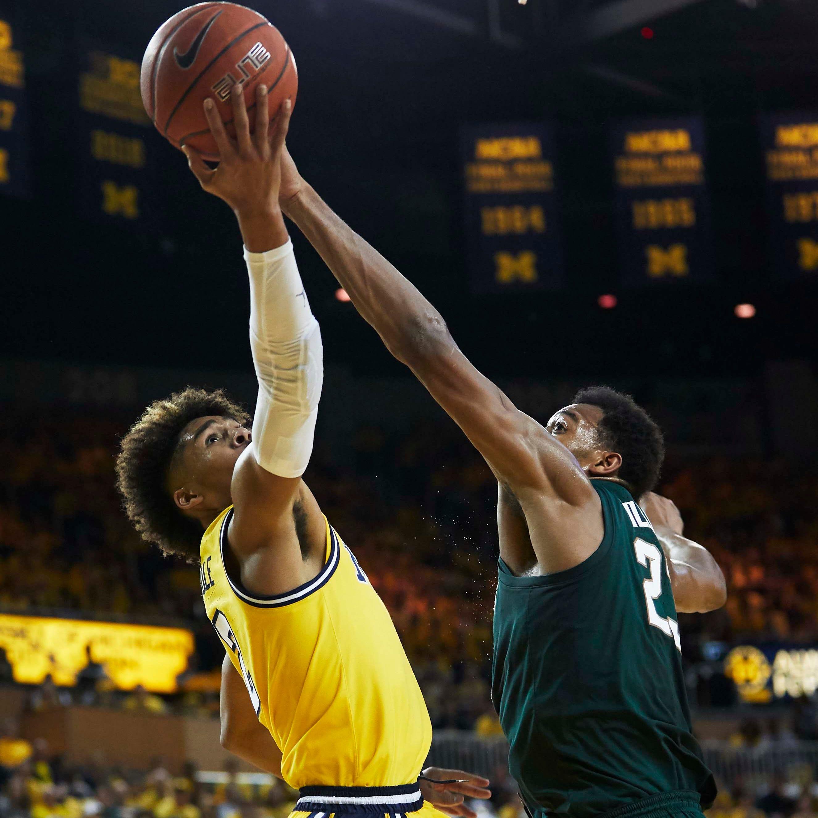 Replay: Michigan State basketball 75, Michigan 63
