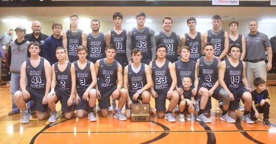 2019 1A Region 2 champion Izard County Cougars