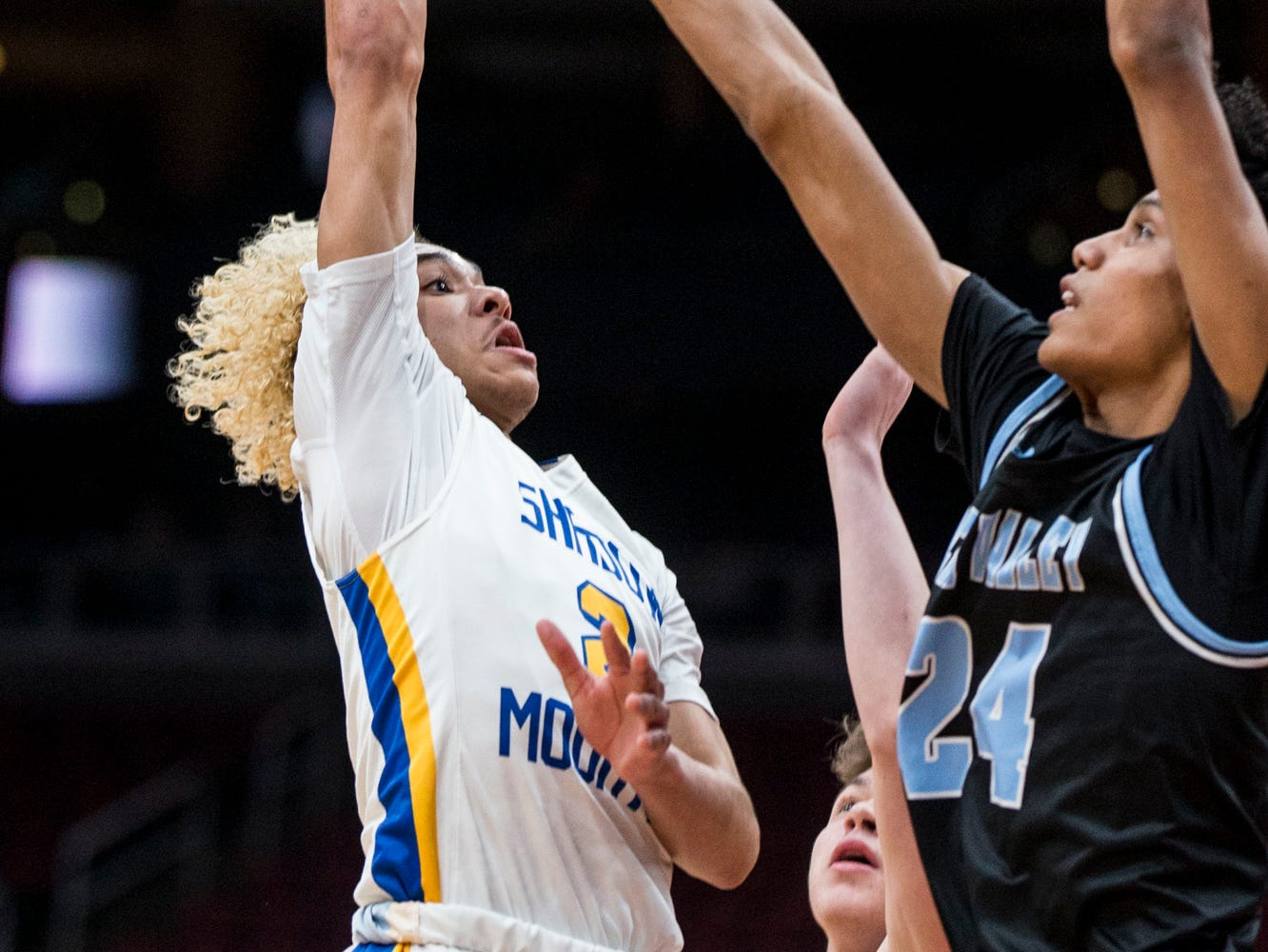 Shadow Mountain's Jaelen House attempts a shot against Deer Valley during the 4A boys basketball championship on Saturday, Feb. 23, 2019, at Gila River Arena in Glendale, Ariz.