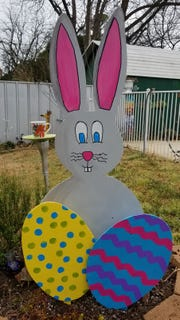Want to make an easy outdoor Easter decoration? Follow some simple steps. Try cutting out simple circles and painting them to look like Christmas ornaments for the holidays or pumpkins for Halloween/Fall. Cut out a large heart for Valentine's Day or a shamrock for St, Patrick's Day. Use your imagination and give this a try. It's easier than you think!