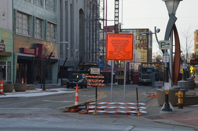 Part of West Michigan Avenue has been closed from Nov. 1 till mid-summer 2019 for the Heritage Tower project at 25 W. Michigan Ave.