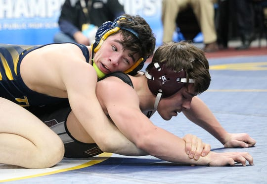 Section 4 wrestlers compete in the state wrestling tournament.