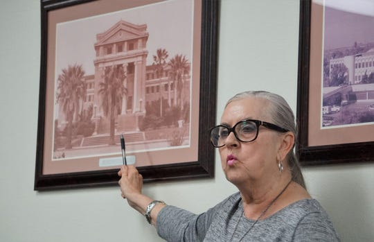 Judy Pressley describes key architectural features of the 1914 Nueces County Courthouse while speaking at a Feb. 25, 2019 meeting of the county commissioners court.