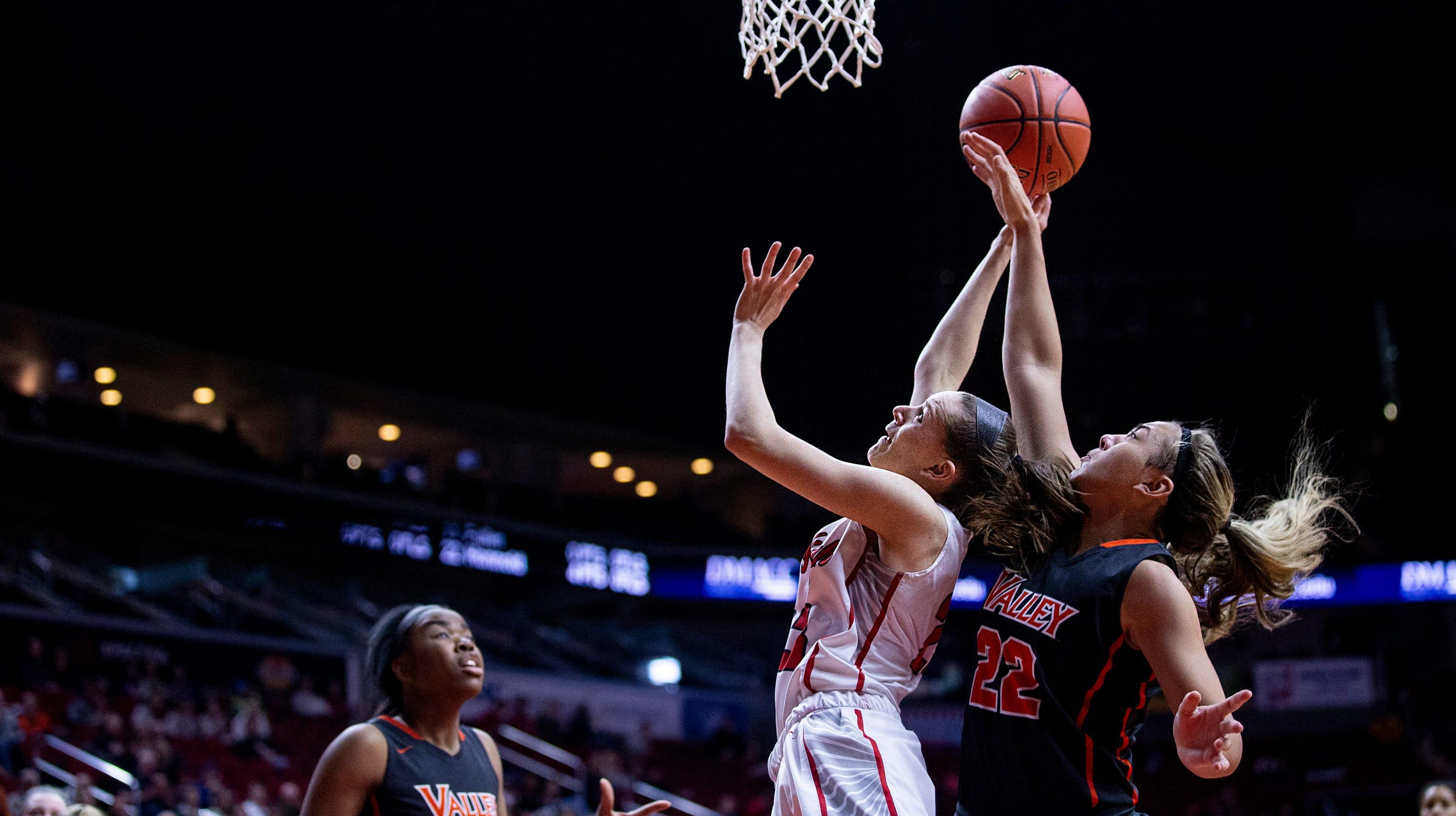 Iowa girls' state basketball photos: Iowa City High vs. W ...
