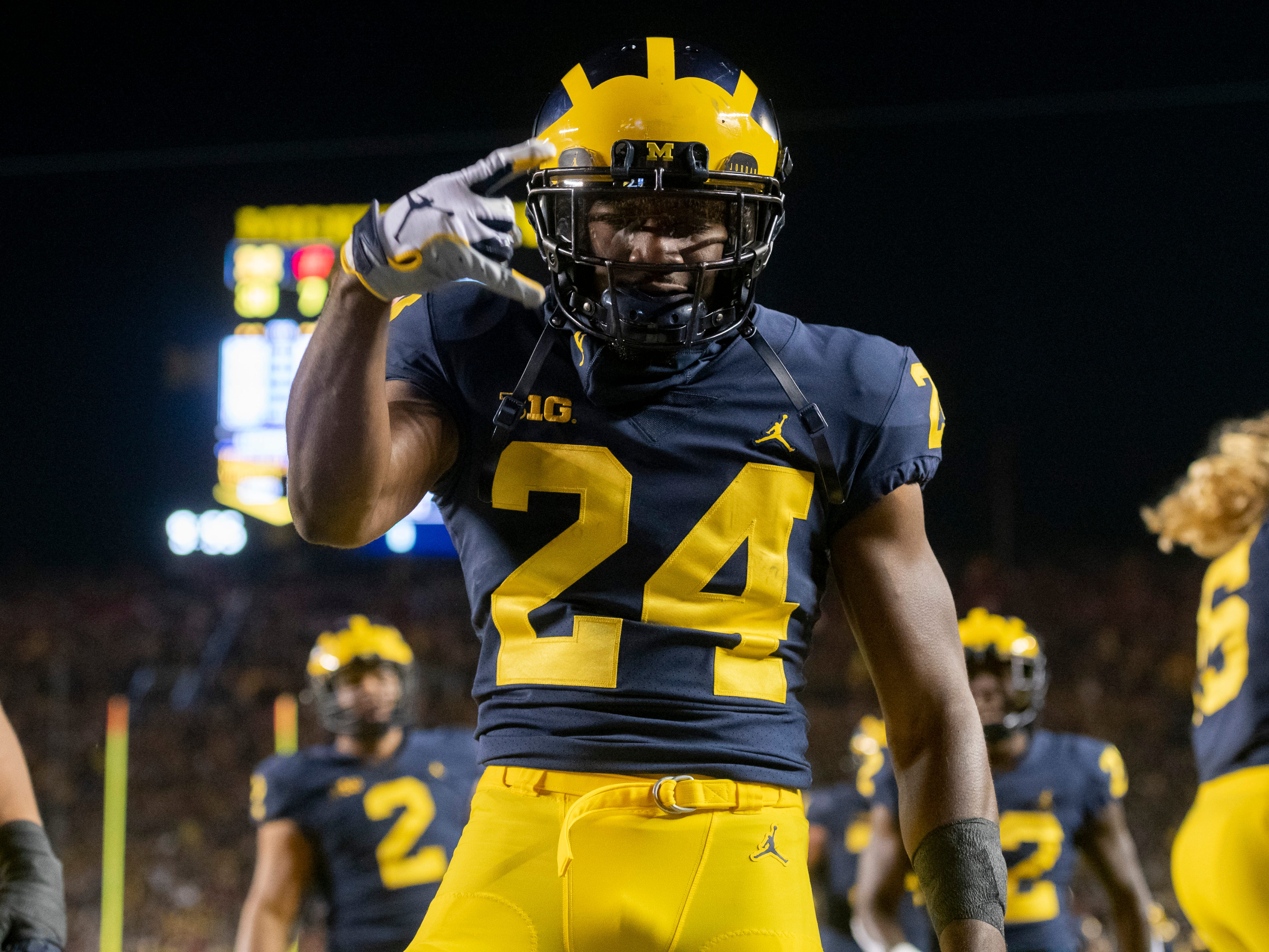 CORNERBACK: Lavert Hill – Hill considered heading to the NFL Draft after last season, but returns for his final year. He was All-Big Ten first team in 2018 and was a Jim Thorpe Award semifinalist. Hill had five pass breakups and one interception.