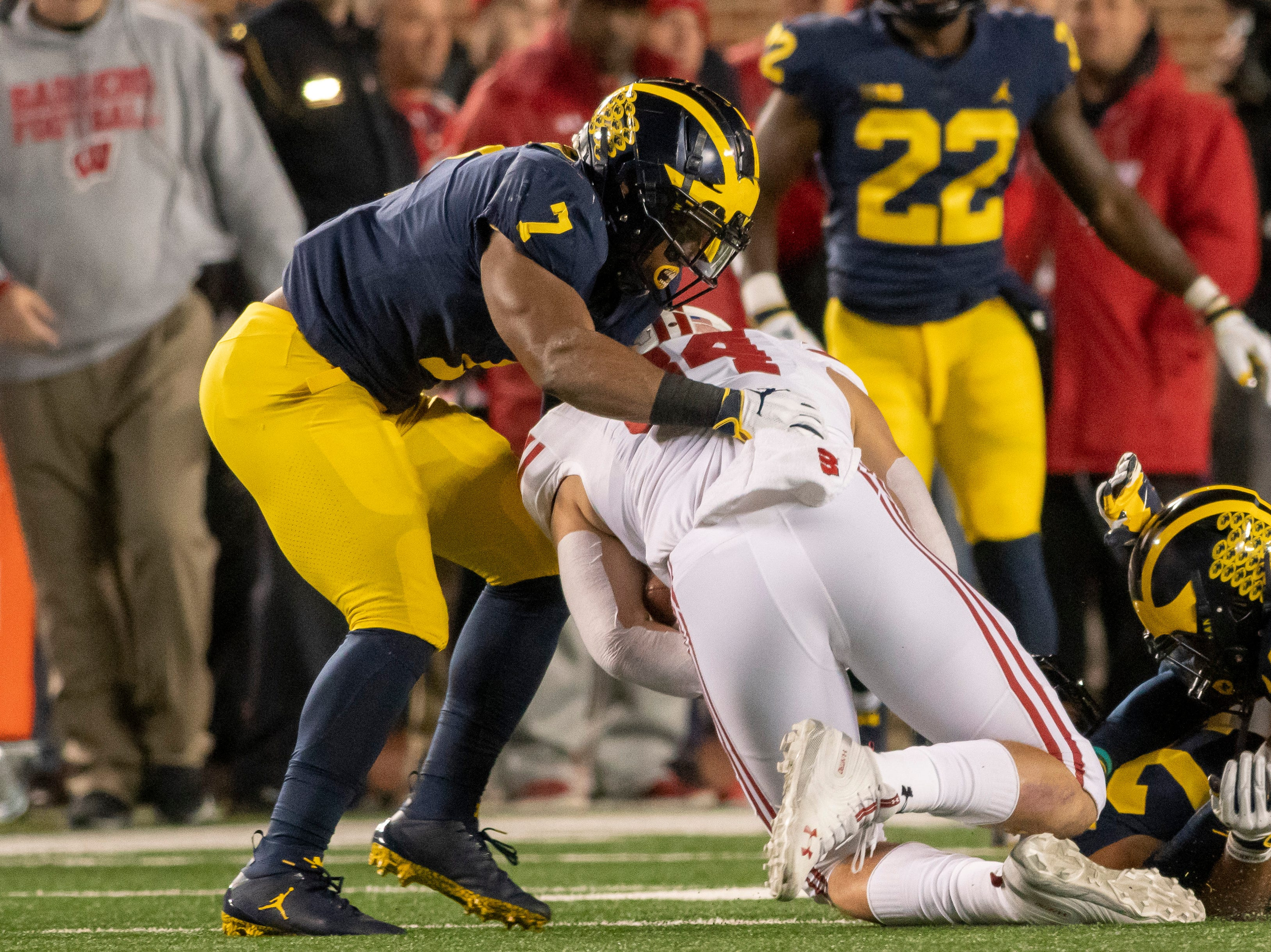 STRONGSIDE LINEBACKER: Khaleke Hudson – Hudson returns for his senior season with the intention of having a big year as a team. He has made 24 starts at viper and last season was All-Big Ten honorable mention. He had 44 tackles, including 3.5 for loss and two sacks.