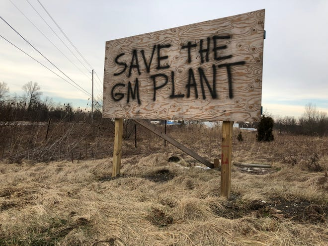 A spray-painted sign on Ellsworth Bailey Road in Lordstown, Ohio pleads to save General Motors Co.'s Lordstown Assembly Plant.