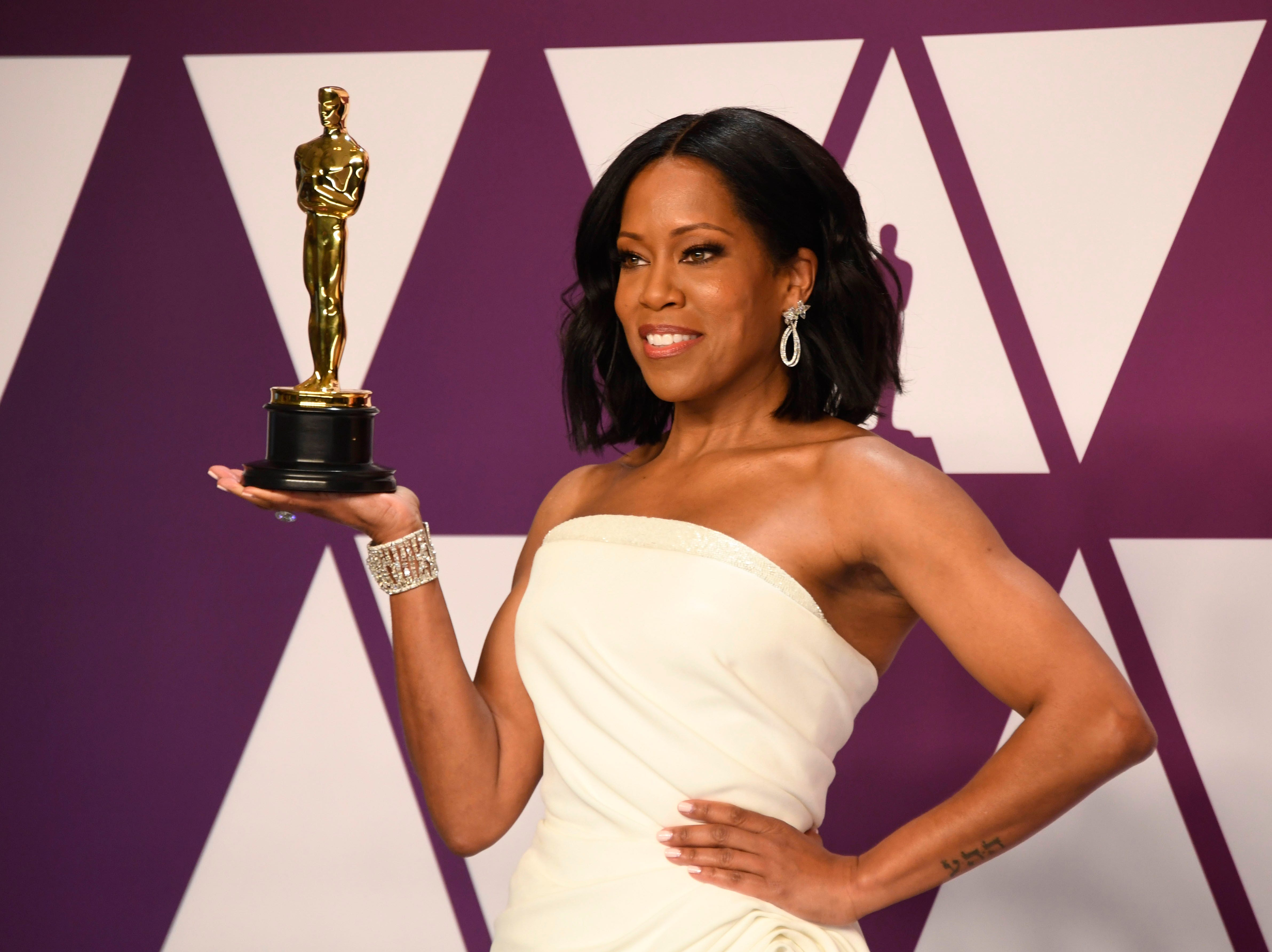 Regina King, winner of Best Supporting Actress for 'If Beale Street Could Talk'  poses in the press room.