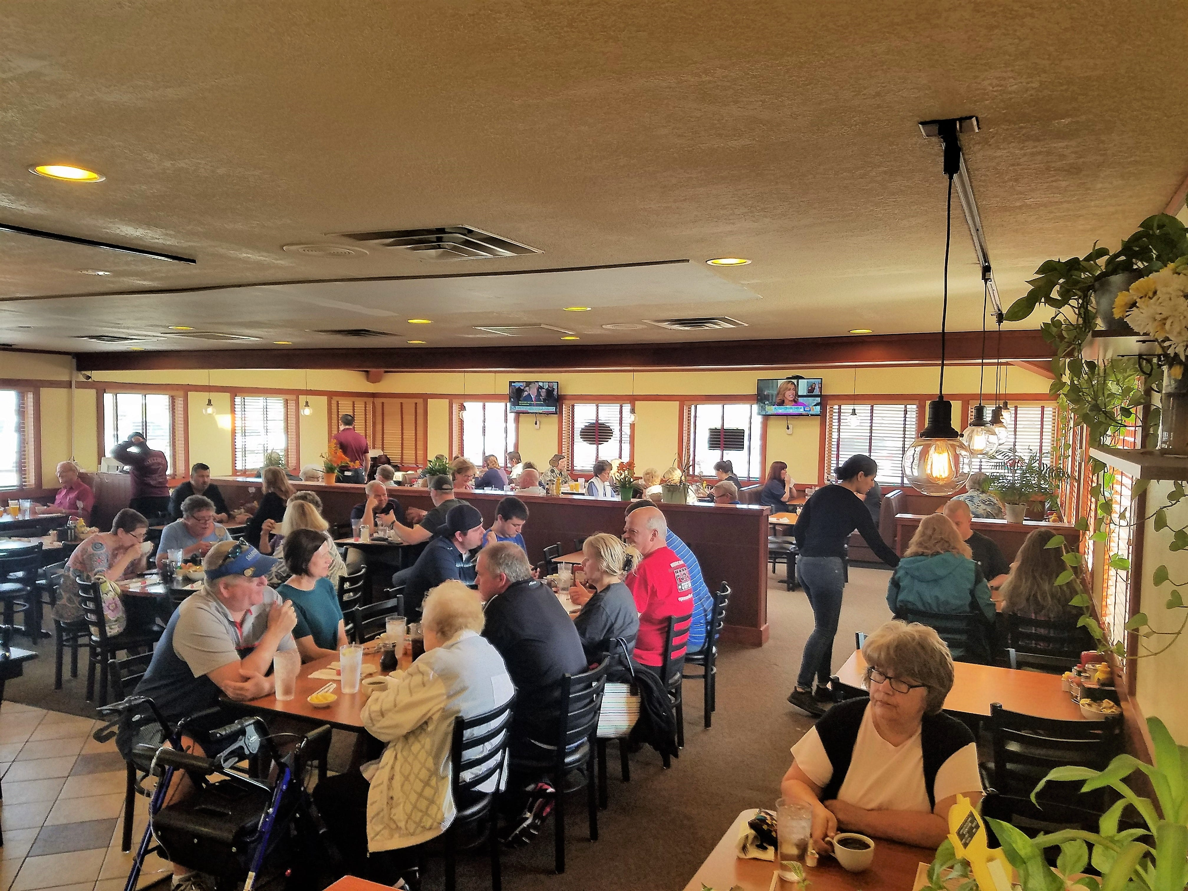 """The saying goes """"the proof is in the parking lot,"""" and Nellie's Restaurant stays busy. New evening hours give diners even more chances to enjoy."""