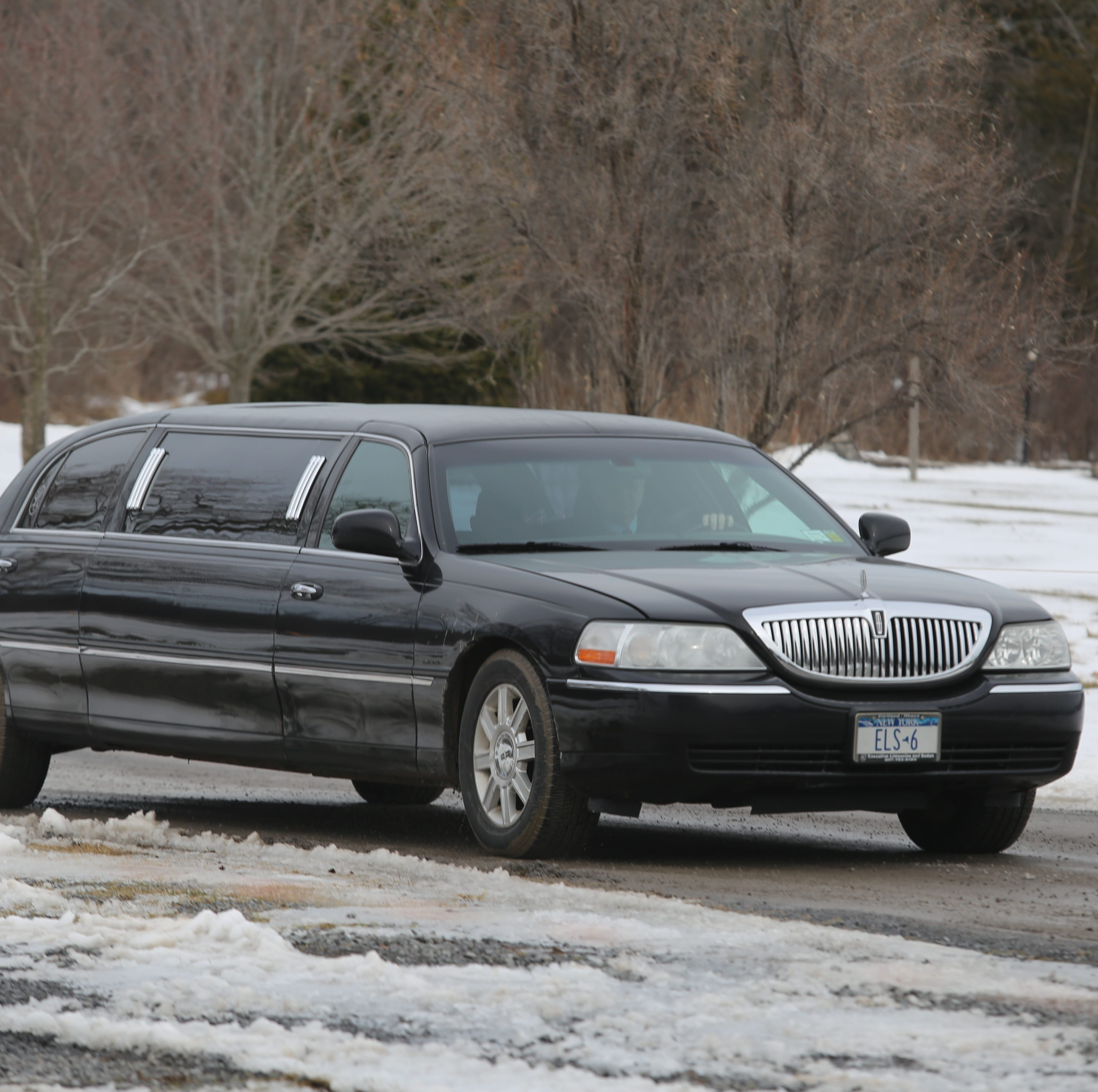 After most deadly crash in a decade, limo rules still haphazard as prom season nears