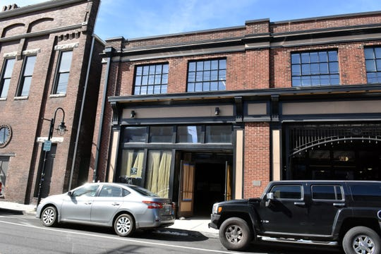 Blühen Botanicals will open a hemp wellness facility in the Old City at 111 E. Jackson Ave. The 4,086-square-foot hemp retail store will become Blühen Botanicals' fifth operation in Knoxville, including its pharmaceutical-grade hemp research facility.