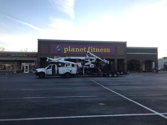 Planet Fitness is opening a location in off Bardstown Road in the Gardiner Lane Shopping Center.