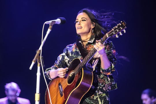 "Country singer Kacey Musgraves sang ""Como la Flor,"" as a tribute to the late Queen of Tejano Selena Quintanilla."