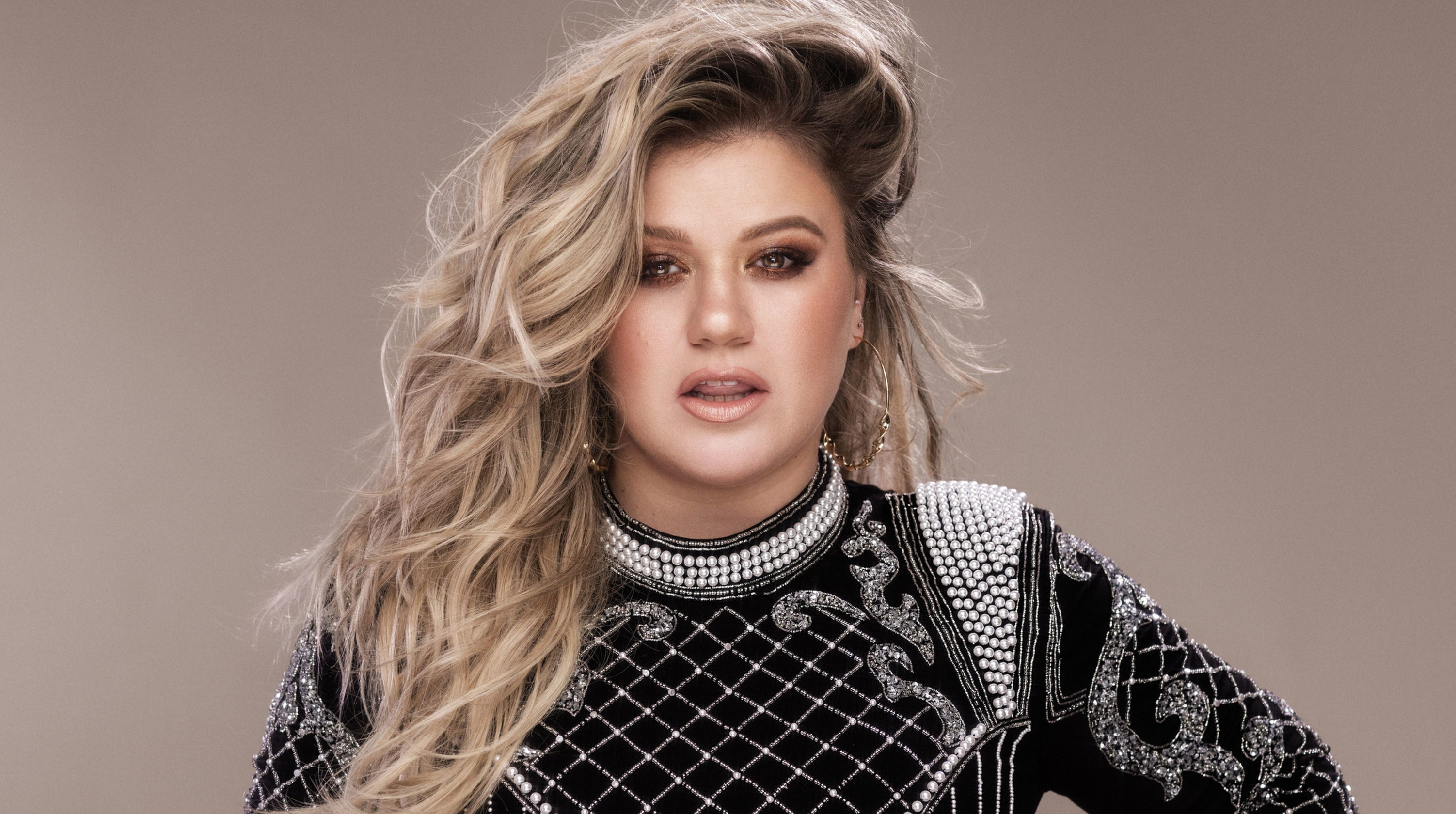 Kelly Clarkson interview: Her 'huge' tour, daytime TV show and honest advice to singers
