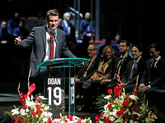 Shane Doan speaks to those gathered during the jersey retirement ceremony at Gila River Arena in Glendale, Ariz. on February 24, 2019.