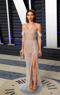 epa07395814 Emma Roberts poses at the 2019 Vanity Fair Oscar Party following the 91st annual Academy Awards ceremony, in Beverly Hills, California, USA, 24 February 2019. The Oscars are presented for outstanding individual or collective efforts in 24 categories in filmmaking. The Oscars are presented for outstanding individual or collective efforts in 24 categories in filmmaking.  EPA-EFE/NINA PROMMER