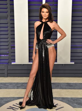 BEVERLY HILLS, CALIFORNIA - FEBRUARY 24: Kendall Jenner attends the 2019 Vanity Fair Oscar Party Hosted By Radhika Jones at Wallis Annenberg Center for the Performing Arts on February 24, 2019 in Beverly Hills, California. (Photo by Axelle/Bauer-Griffin/FilmMagic) ORG XMIT: 775287342 ORIG FILE ID: 1132036705
