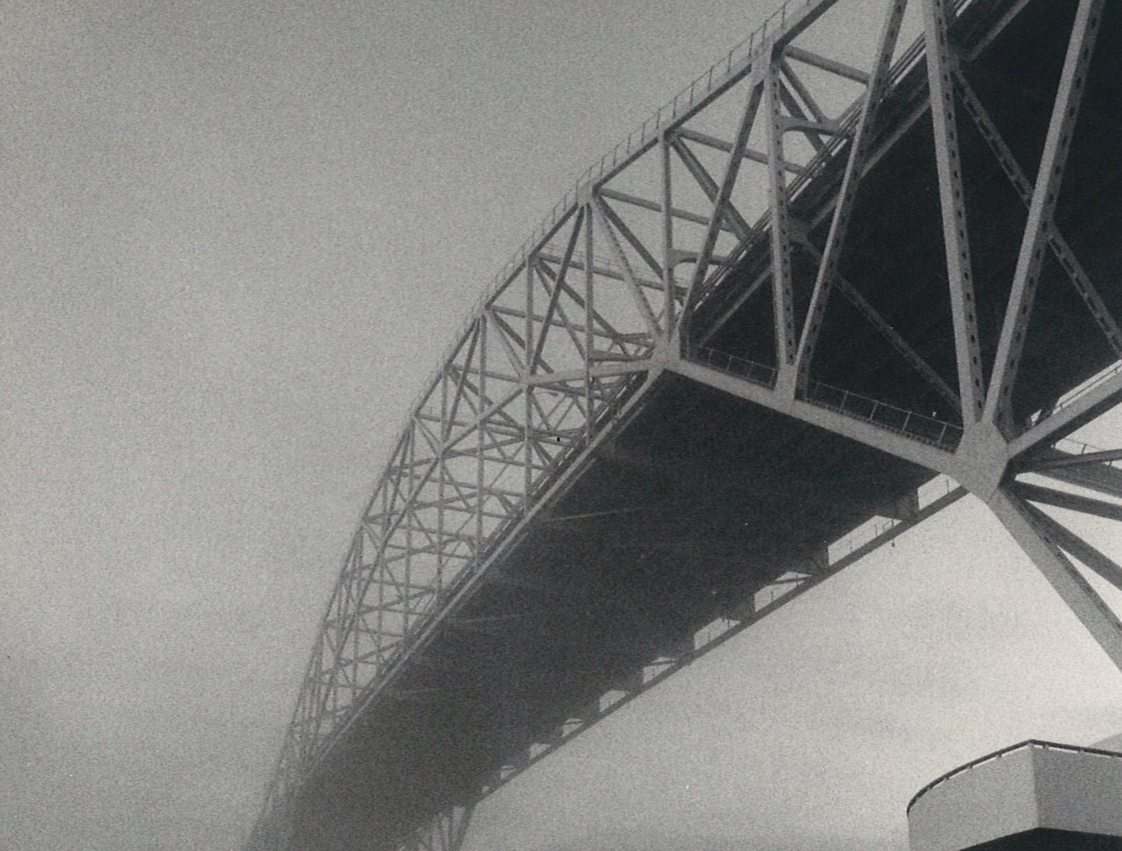 The Harbor Bridge in Corpus Christi in morning fog on Dec. 27, 1985.