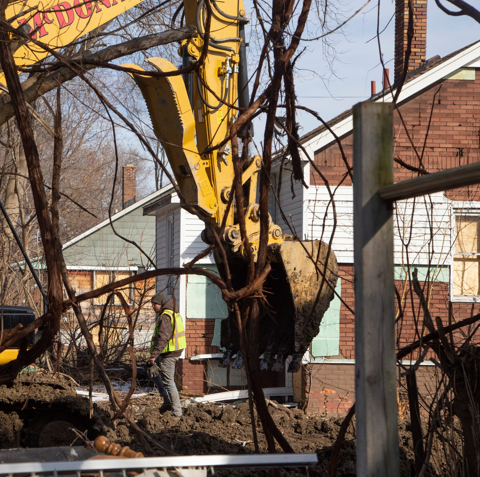 Feds probe Detroit Land Bank contractor that tore down homes, hid debris in holes