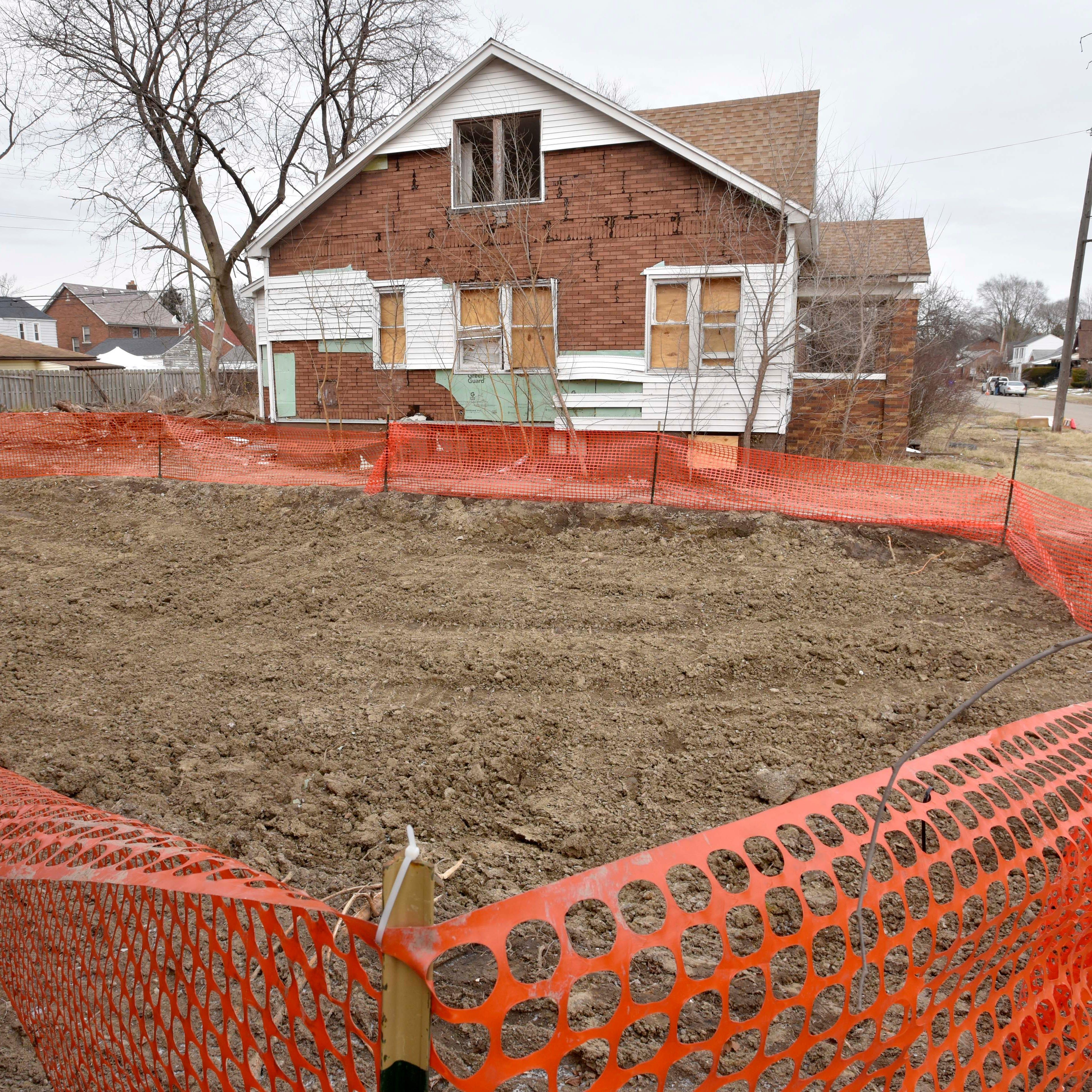 Contractor accused of leaving debris in Detroit demo dirt