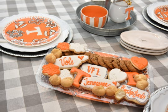 Don't forget the sweets! Cookies, brownies and cream puffs (from your local grocery store freezer) satisfy a fan's sweet tooth. Take it up a notch with decorated sugar cookies that show school spirit.
