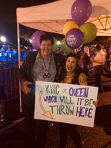 A Louisiana couple found a way to use Mardi Gras beads to reveal their baby's gender during Saturday's Krewe of Carnivale en Rio parade.