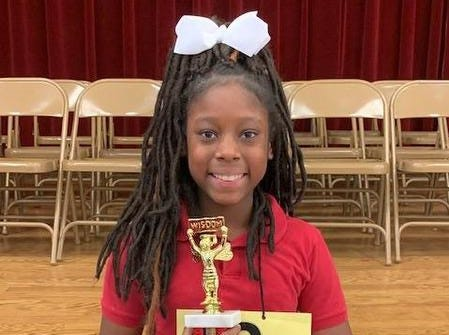 Robinson Elementary Name: Raegan Barber Grade: 4 Parent: Danielle Hall Favorite word: ruefully Winning word: fugitive