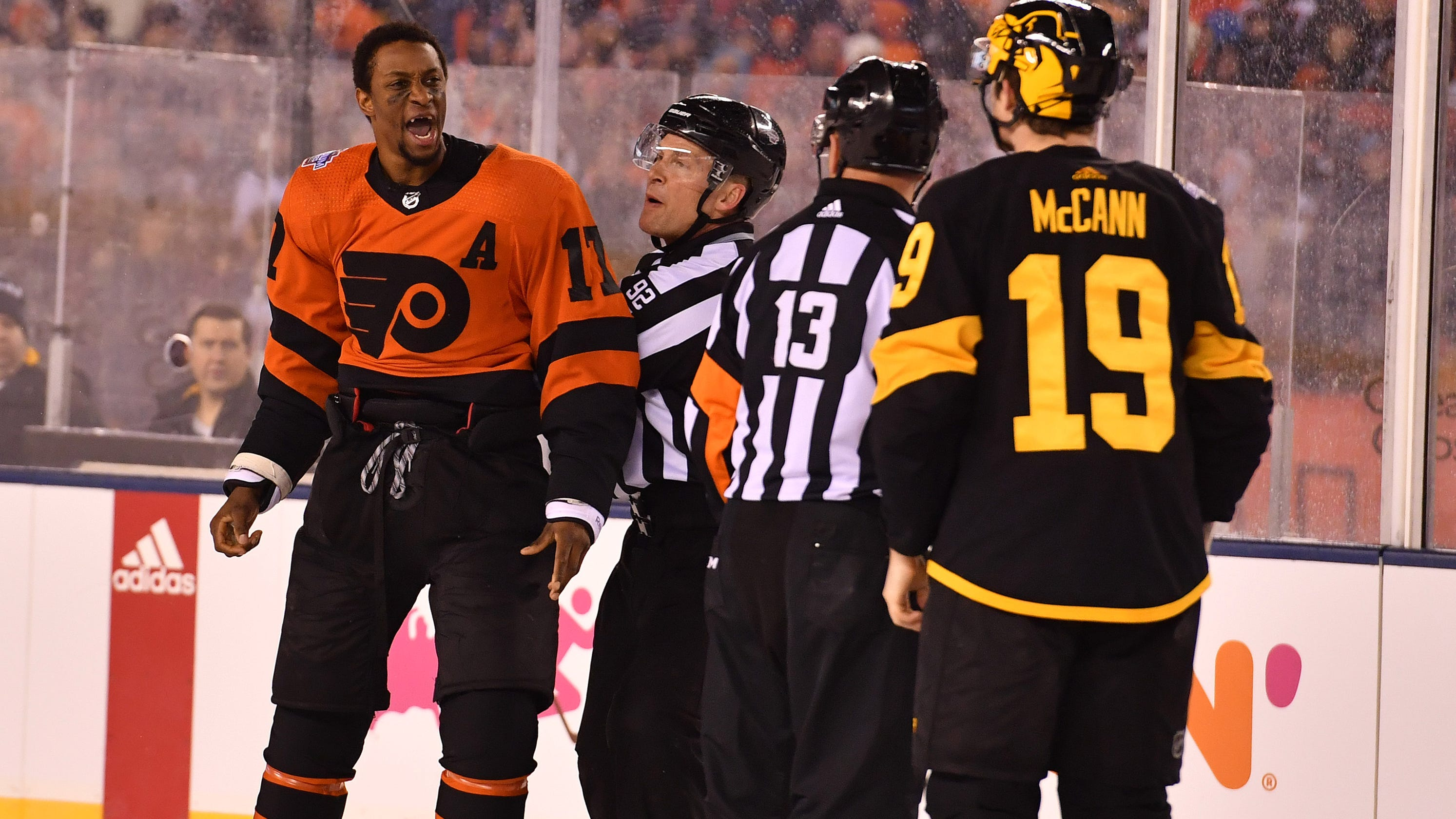 separation shoes 6e81e 21c73 Predators: Wayne Simmonds gets familiar with Nashville teammates