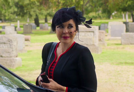"Remedios (Maria Conchita Alonso) eliminates her cheating spouse in ""¡He Matado a Mi Marido!"