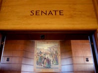 Oregon Senate Republicans walk out; Oregon State Police called to bring them back