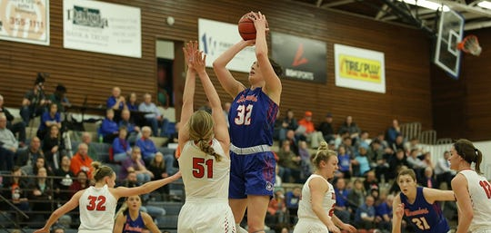 Gabbie Bohl leads the NSIC in scoring for Mary