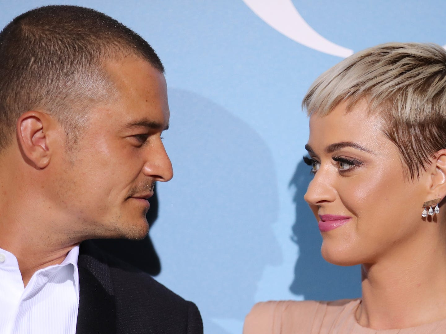 Katy Perry dishes on Orlando Bloom's helicopter proposal