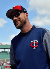 At 37, Rocco Baldelli takes over as manager of the Twins.