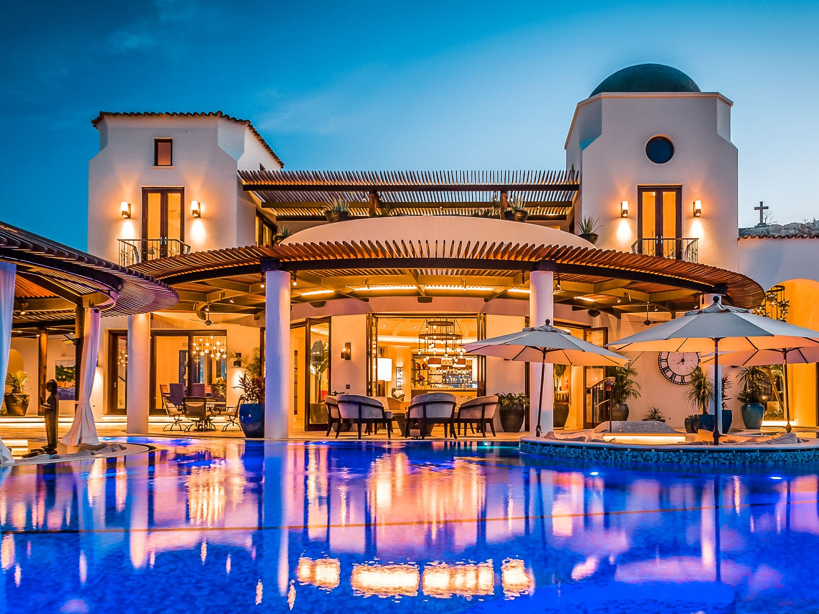 This six-bedroom property in Los Cabos, Mexico, sleeps 12 and rents for $10,300 - $16,300 a night.
