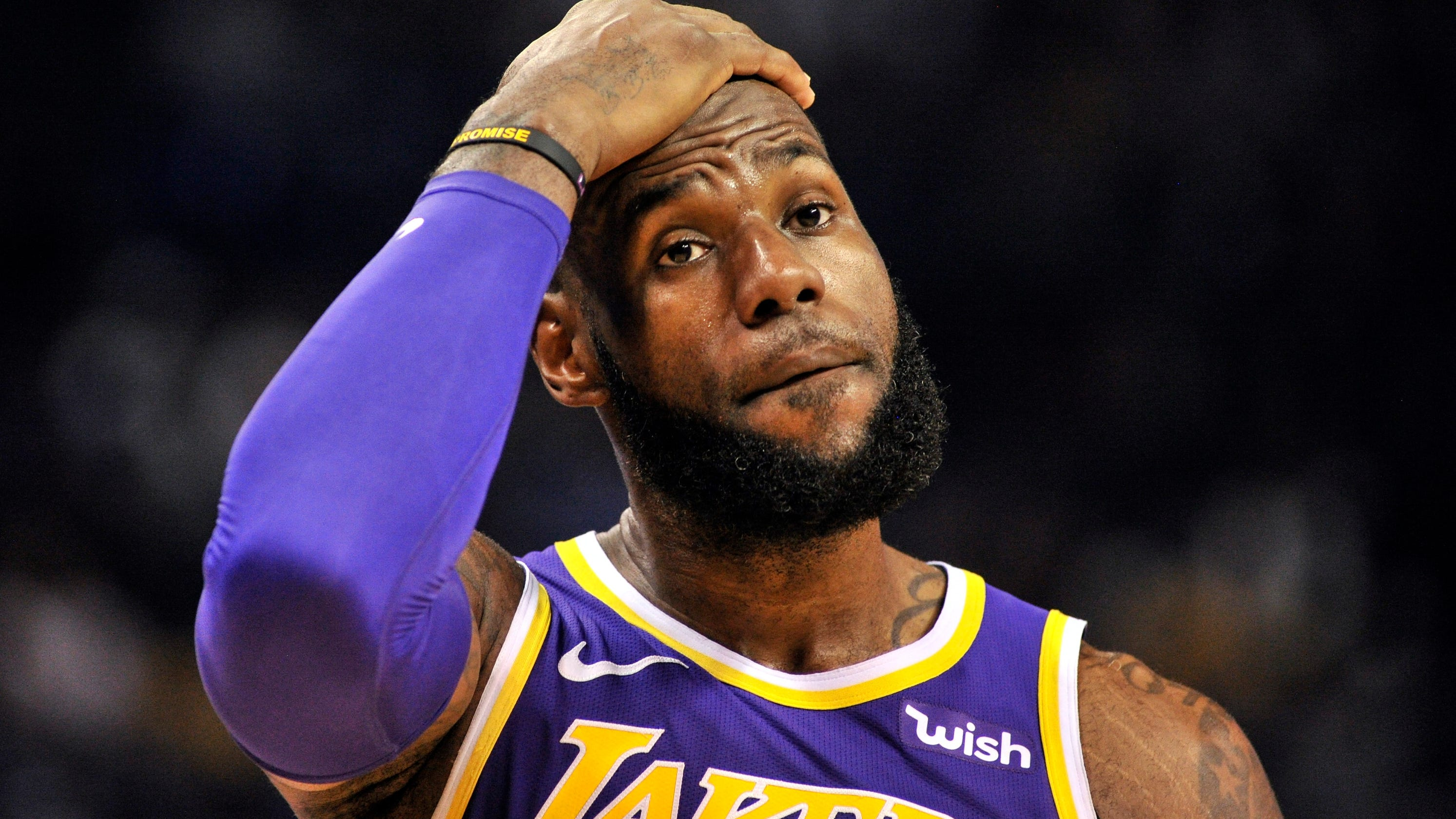 LeBron James has strong comments after Lakers loss to Grizzlies