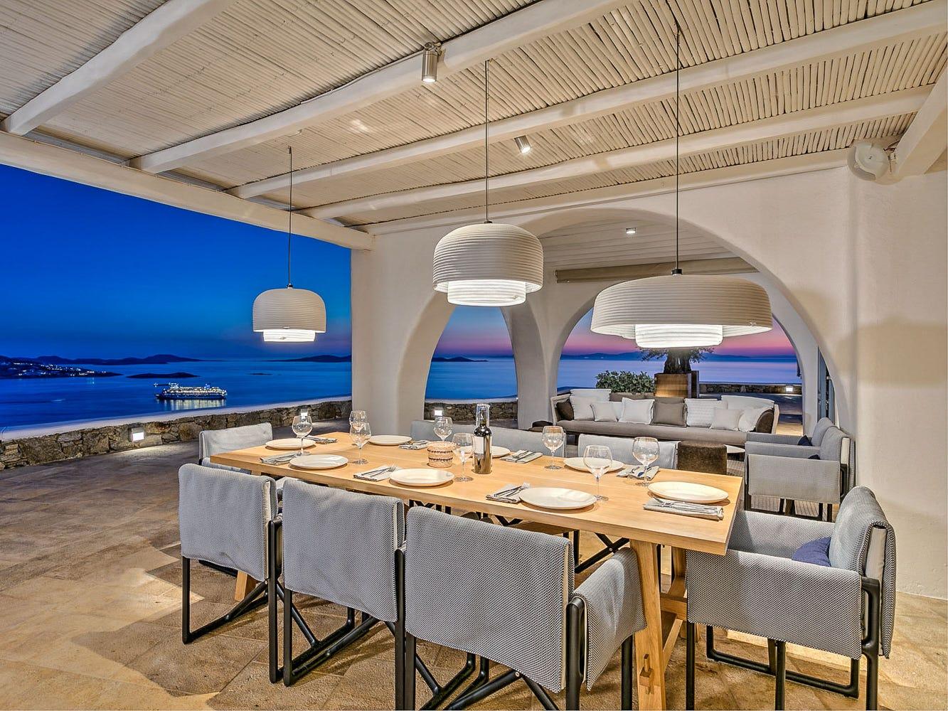 For more information: https://www.luxuryretreats.com/vacation-rentals/greece/mykonos/tourlos/aries-111243
