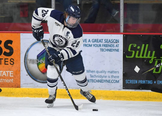 Lawrence University standout Josh Koepplinger has signed with the Macon Mayhem.