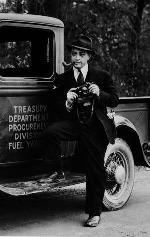 Carl Mydans, photographer, 1935