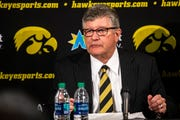 Iowa broadcaster Gary Dolphin will return to the mic for the Hawkeyes' spring football game in April.