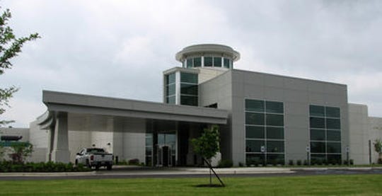 Kentuckiana Medical Center in Clarksville is closing in April after a decade.