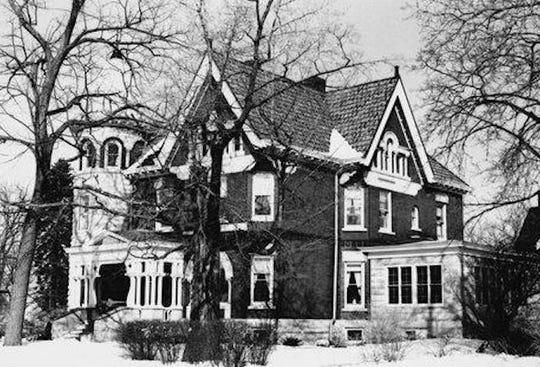 Former Spindler home, 535 N. Sixth St., Manitowoc, circa 1965.