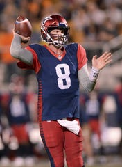 Memphis Express quarterback Zach Mettenberger (8) throws a pass against the Orlando Apollos during an AAF football game on Feb. 23, 2019, at Spectrum Stadium in Orlando, Fla.