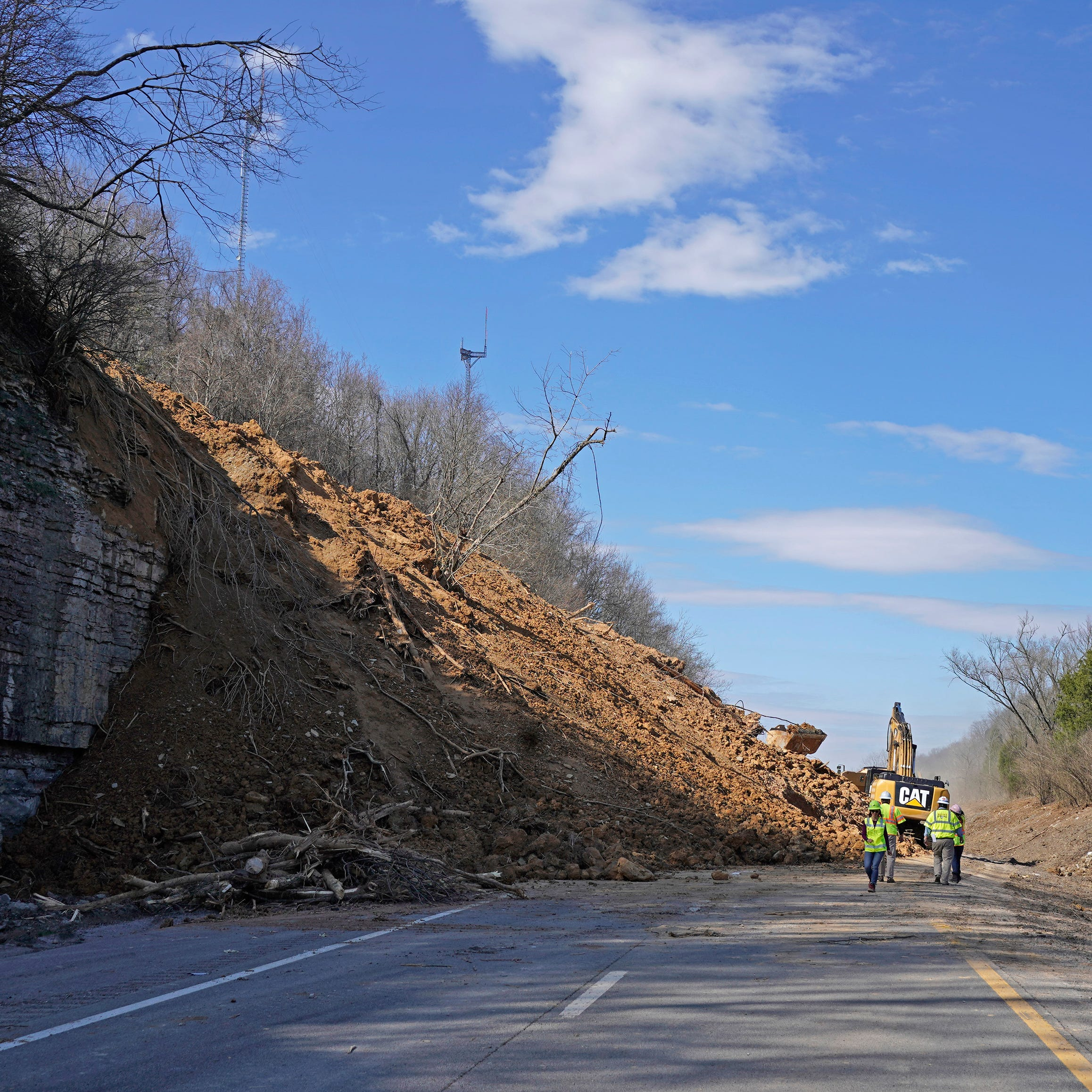 I-24 mudslide: Eastbound lane between Clarksville and Nashville reopened Wednesday, ahead of schedule