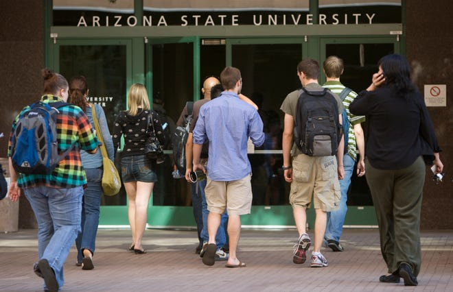 ASU students enter the University Center in downtown Phoenix on Nov. 9, 2009.