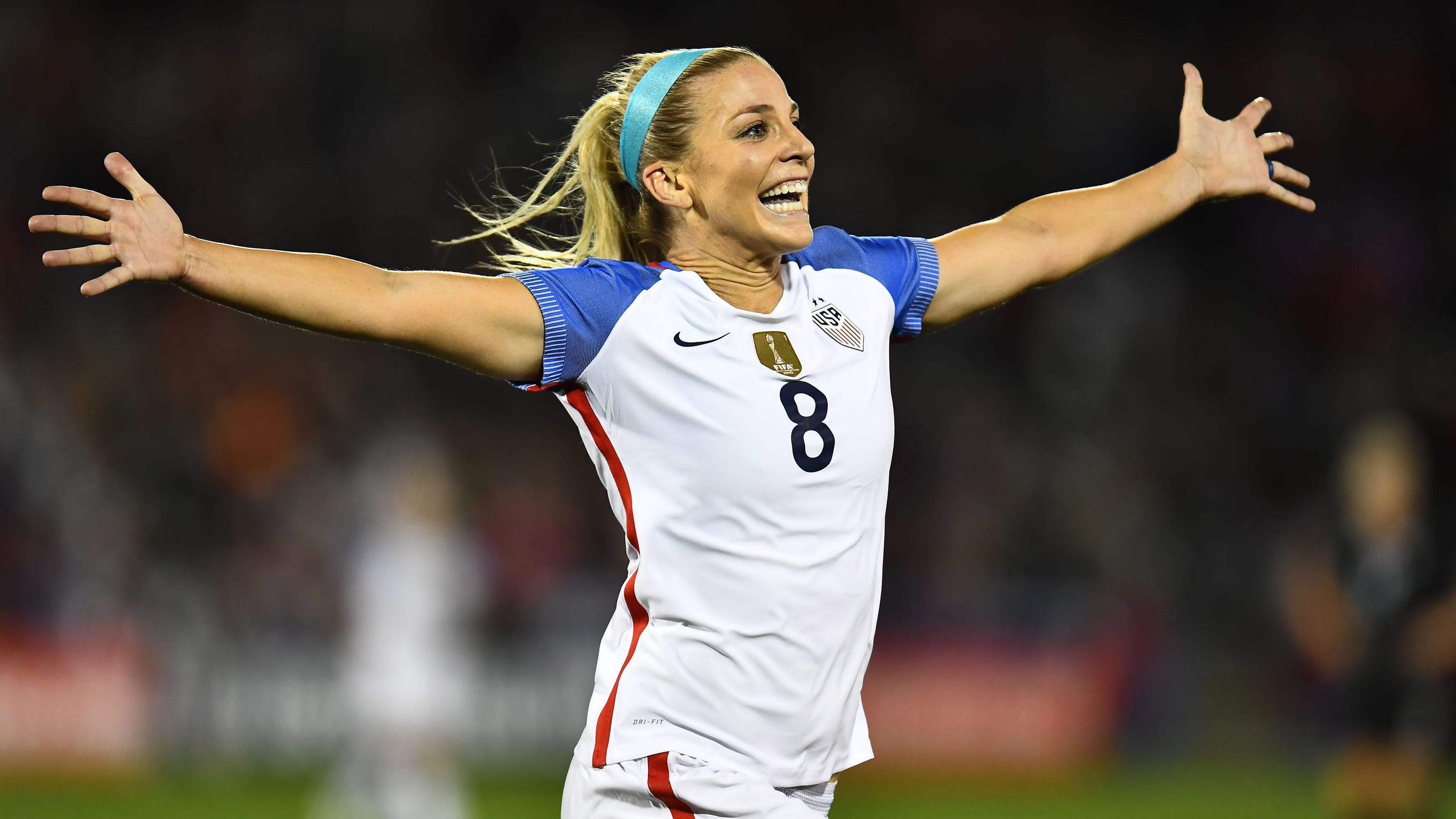 best cheap 4fe47 29699 World Cup: Julie Ertz's husband, Eagles tight end Zach to ...