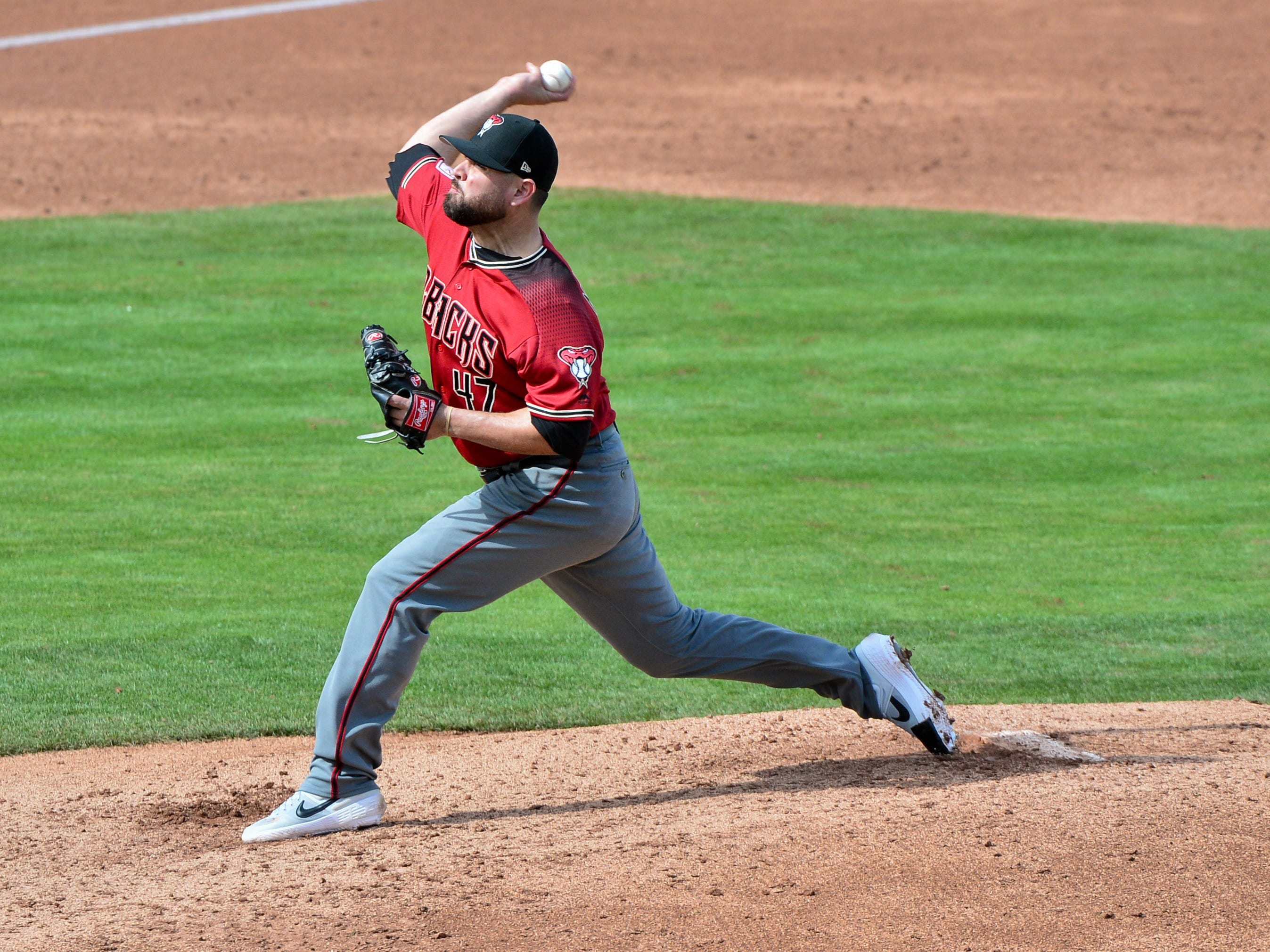 Feb 26, 2019: Arizona Diamondbacks starting pitcher Ryan Newell (47) throws during the second inning against the Chicago Cubs at Sloan Park.