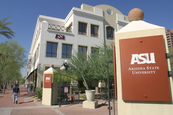 Nov. 5, 2003. Arizona State University downtown campus is located at 7th St. and Van Buren.